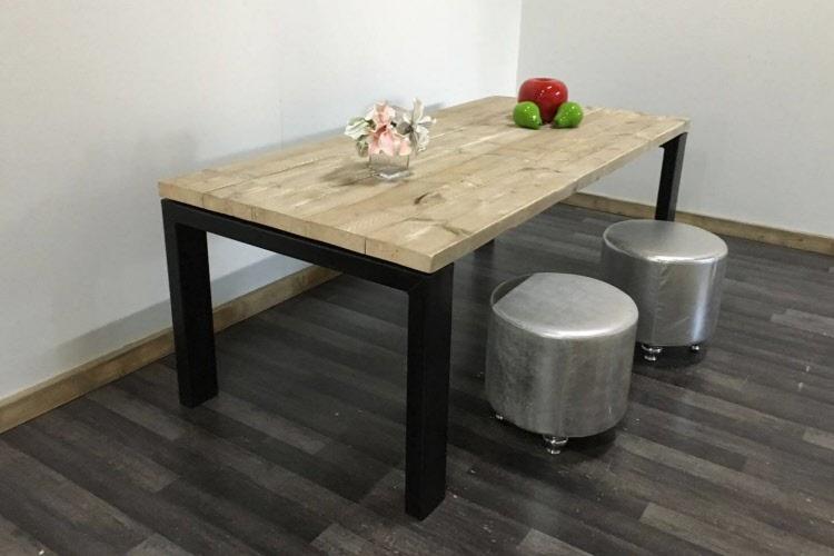 Steigerhouten tafel ulft